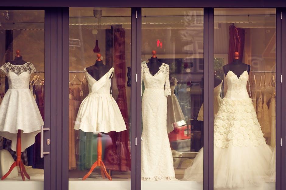 Viskas apie vestuvini sukneli stilius for Brautkleider bis 500 euro